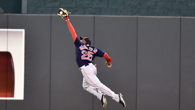 Red Sox Academy: Jackie Bradley Jr. Shares Some Fielding Tips
