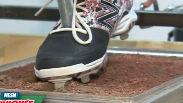 The Baseball Lab: New Balance Tests Flexibility Of Cleats