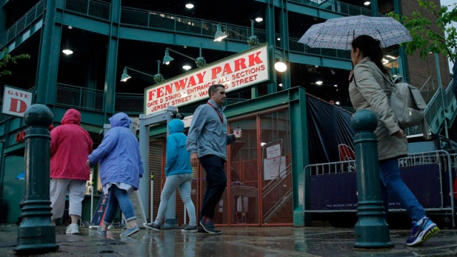 How Do Red Sox Fans Get To Fenway Park?